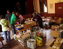 Brocante de livres au Petit Théâtre des Balcons, à Ferrière-Larçon, jeudi 17 mai 2012