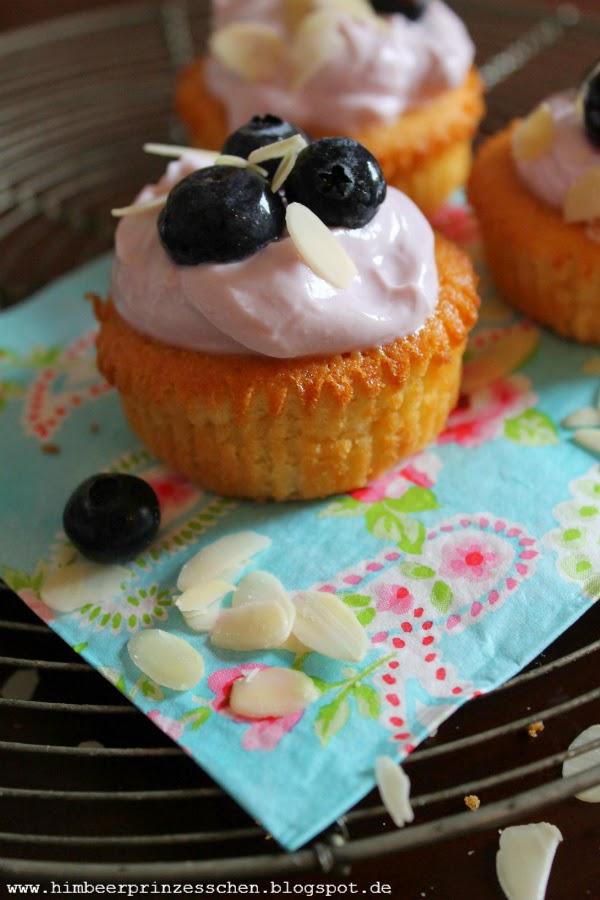 Himbeerprinzesschen Foodblog Maracuja Kuchen Cupcakes Blaubeere Creme