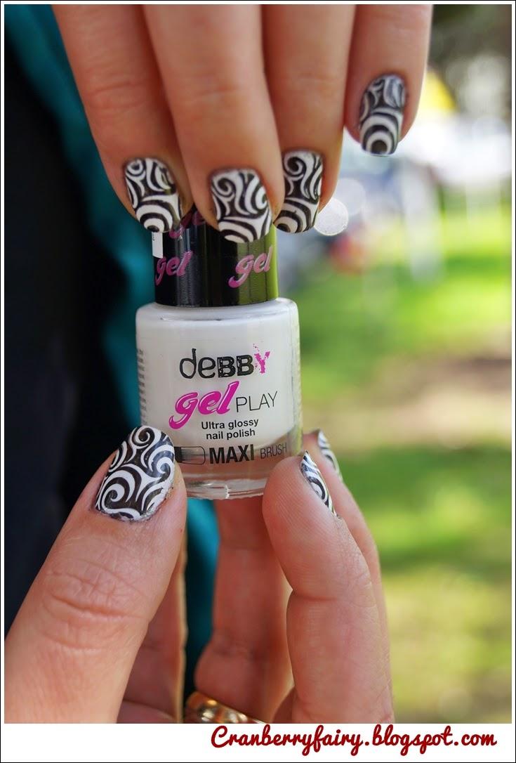 op art nails