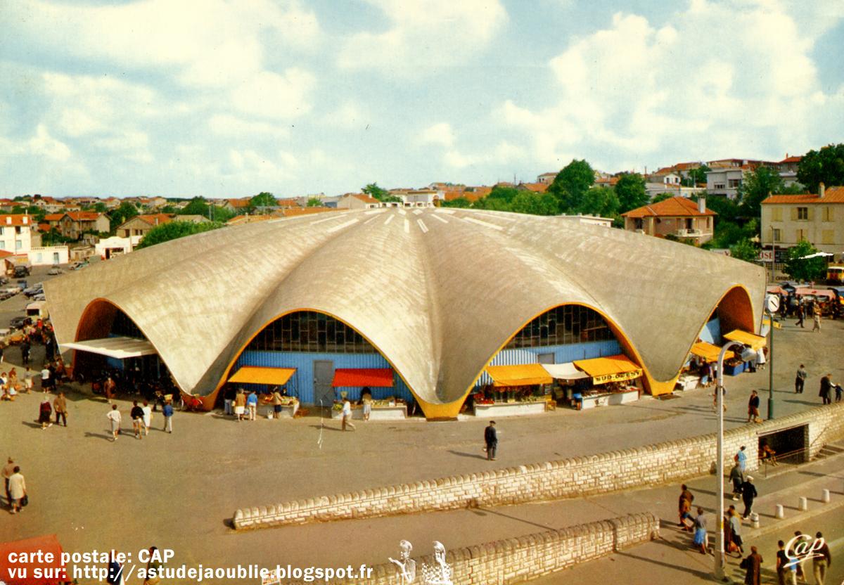 Royan march central simon morisseau laffaille for Architecture annees 50