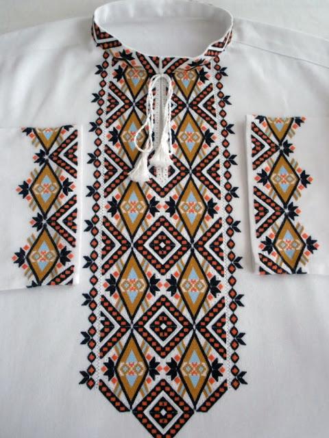 Чоловіча сорочка, вишивка Руслани Равлюк з Бучача на Тернопільщині