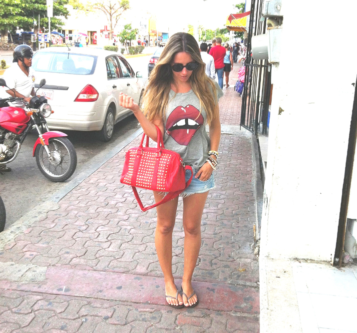 Fashion blogger outfit with studded bag and lips tee