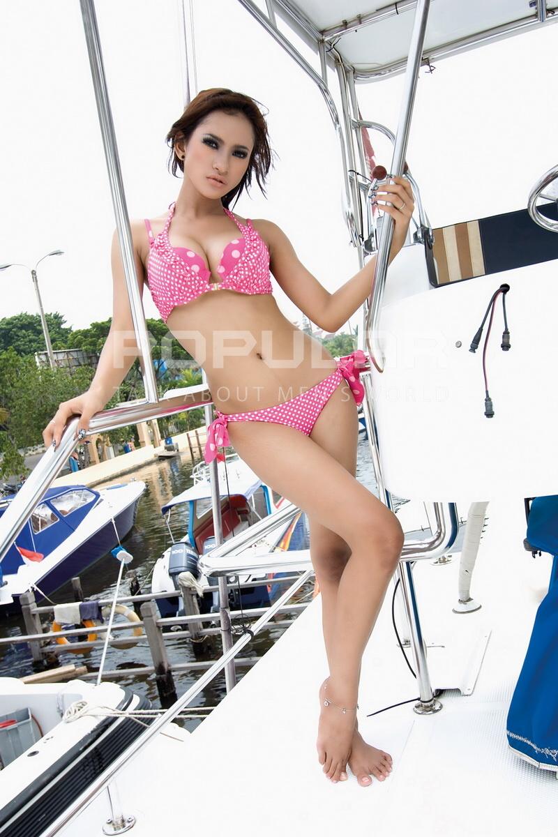 clara diana model majalah panas foto bugil bokep 2017