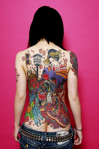 Tattoo oriental na costa - Tattoo Gueixa