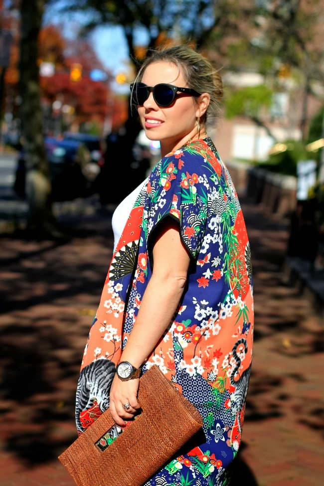 Kimono from Forever 21, Skinny Jeans old from Nordstrom, White basic t-shirt, Quay Retro Sunglasses via Nordstrom, Bracelets a mix of my own, TJ Maxx and Charming Charlie, a natural fiber clutch from Brazil