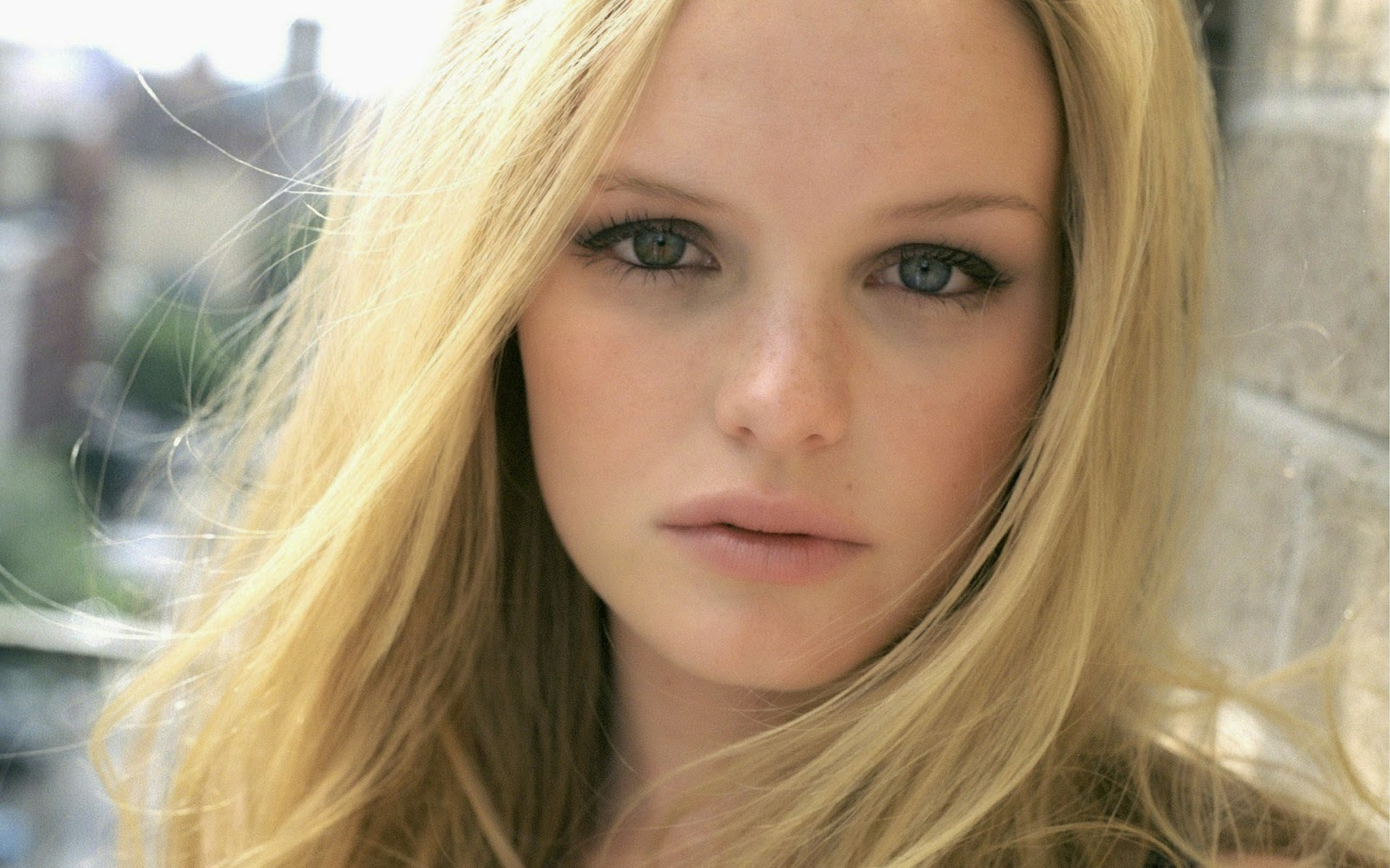 Nackte Kate Bosworth in 21 ANCENSORED