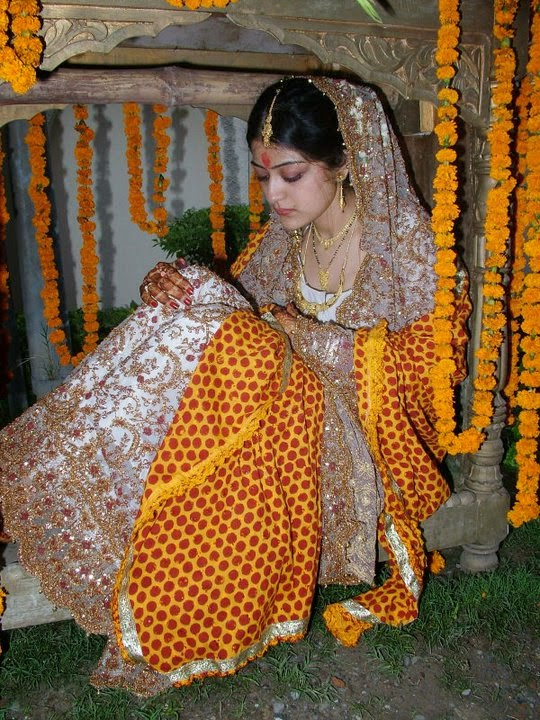 Beautiful Desi Dulhan Photos In Wedding Dress Beautiful