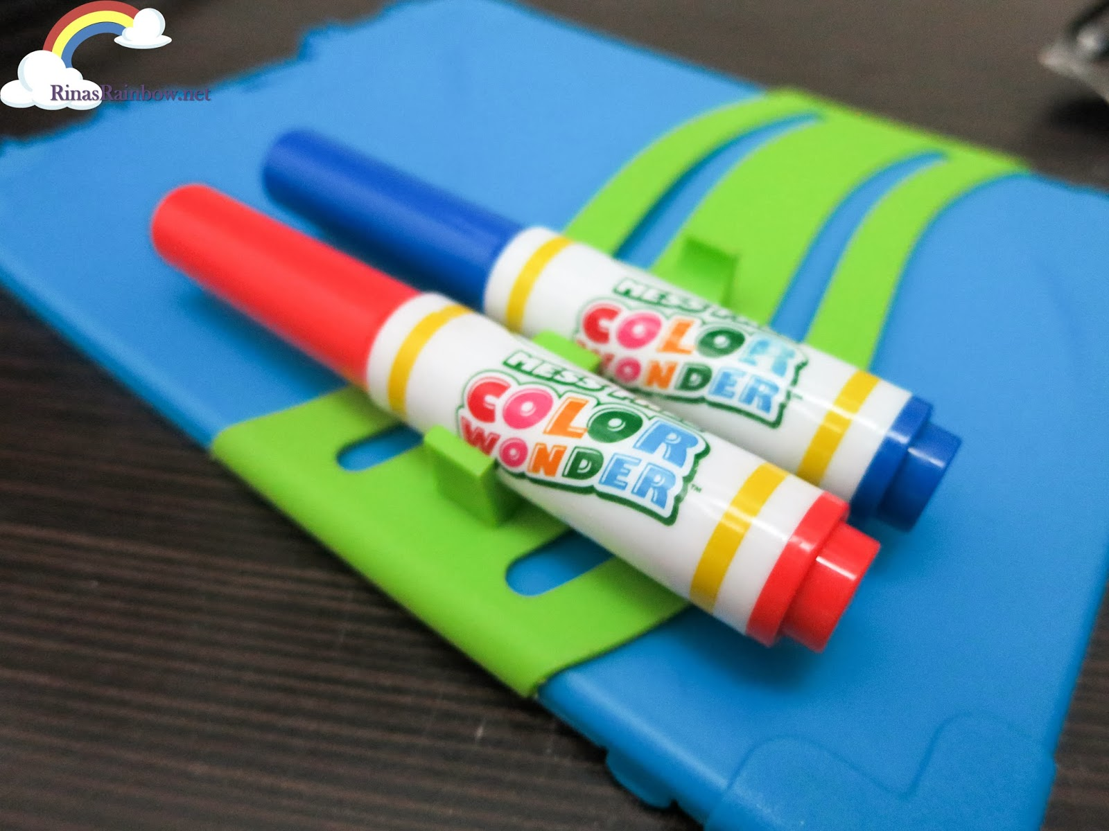 crayola mess free color wonder travel