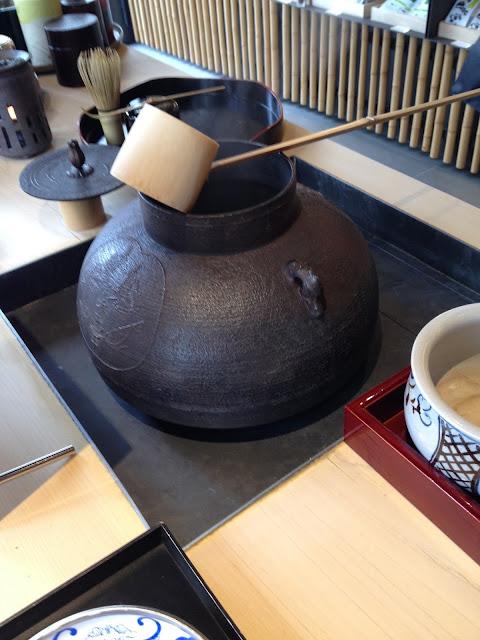 bouilloire japonaise en fonte jugetsudo paris