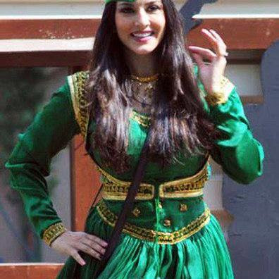 Sunny Leone in a Pakistani Anarkali Salwar Kameez Dress - Fashion Pictures