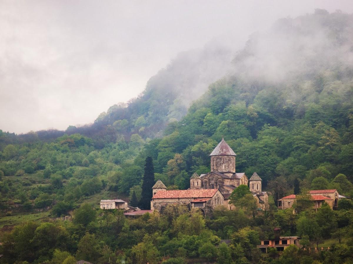 Restos imagen georgiana incrustados de origen bizantino http://leipsanothiki.blogspot.be/