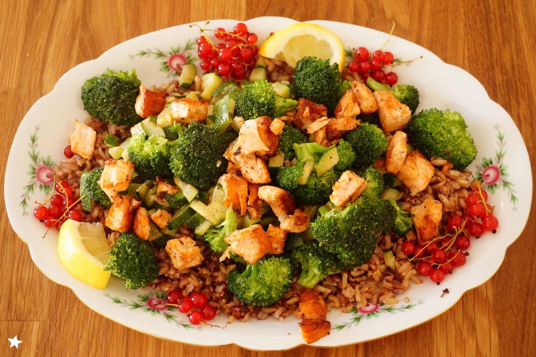 Farine d 39 toiles riz aux l gumes verts saumon groseilles for Cuisinier 3 etoiles legumes