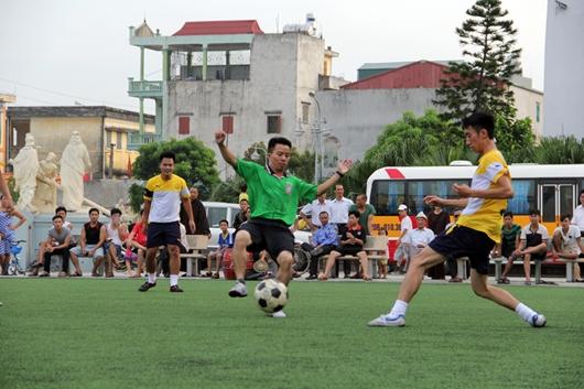 Chùa Phù Liễn đá bóng giao hữu với Tòa Giám Mục Thái Bình