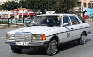 Taxi blanco en Malta