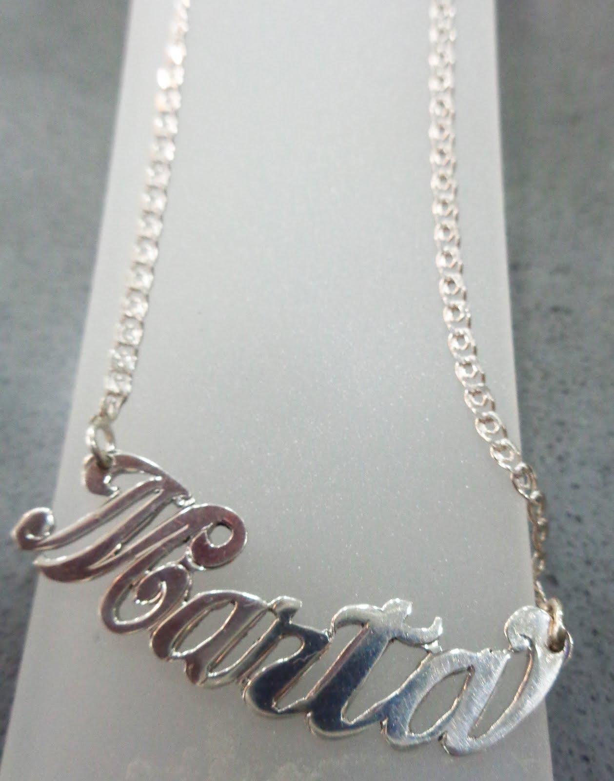 Gargantilla con el nombre de Marta en plata
