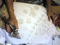 alat batik,pembatik,pembuatan batik,canting elektrik