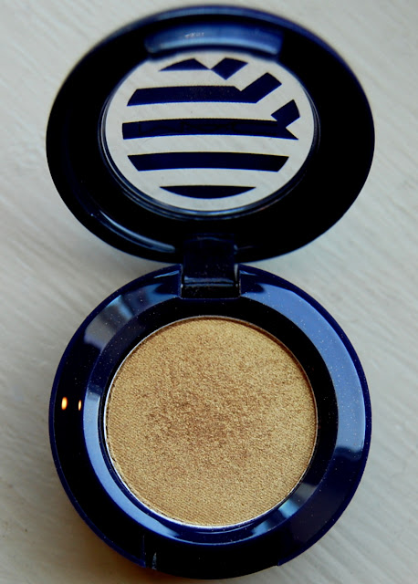 MAC Hey, Sailor! Eye Shadow in Barefoot