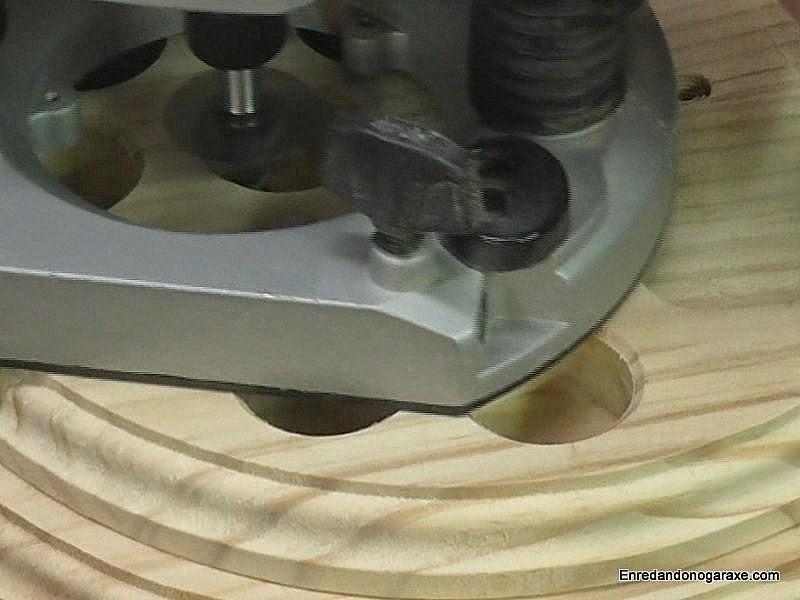 Fresar bisel en los agujeros. Enredandonogaraxe.com
