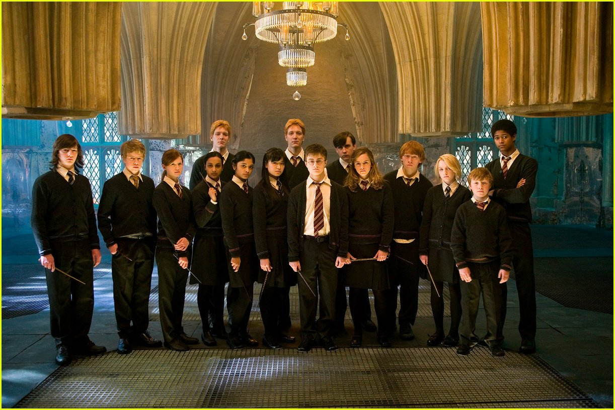 http://4.bp.blogspot.com/-nnQr-7YnbZw/T4pPUeQu37I/AAAAAAAAB5w/BMSRctxpvLE/s1600/Harry_Potter_Wallpapers-30.jpg_harry-potter-5-stills-01.jpg