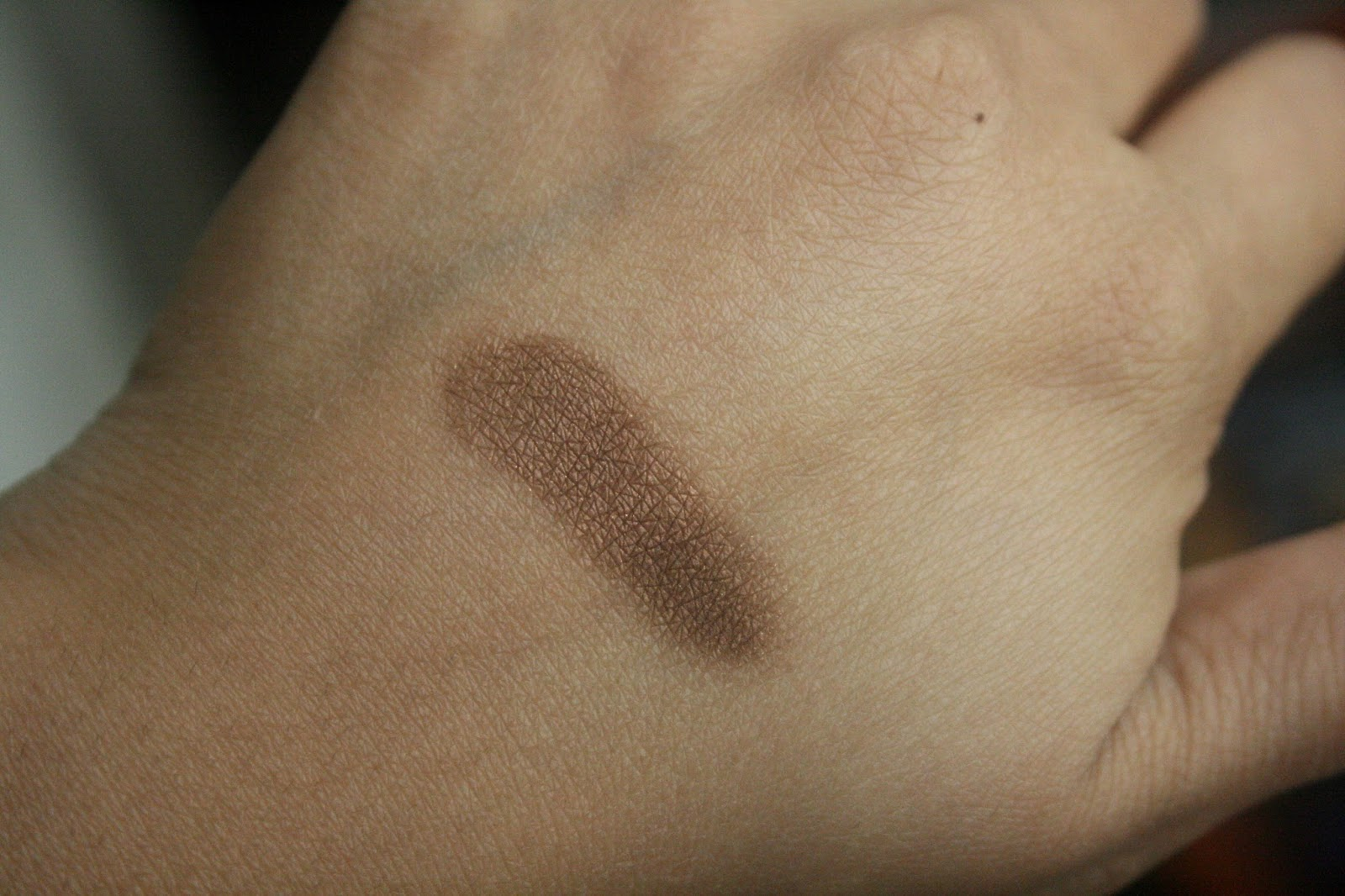 Dolce & Gabbana Perfect Mono Cream Eye Colour in Bronze Swatch