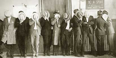 """detroits notorious purple gang Some of the world's most notorious criminals, mobsters, and gangsters  the  purple gang, """"joe the hood"""", the gotham hotel, and the detroit mob families."""