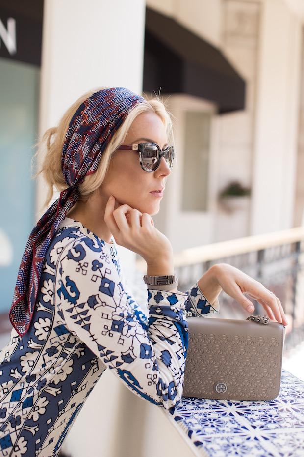 The Supper Model Tory Burch Fall 2015 head scarf