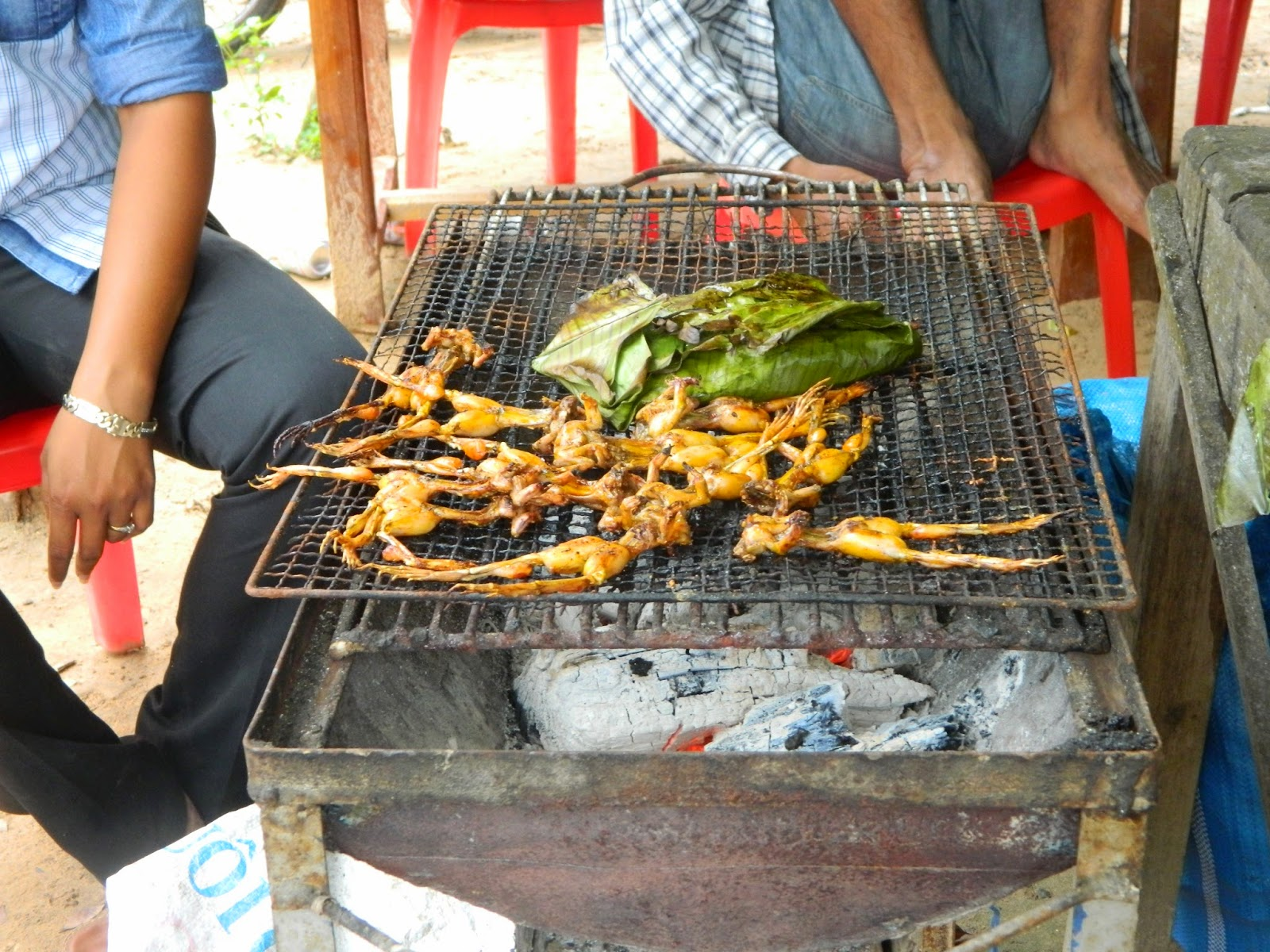 Roasted Frogs, street food in Cambodia
