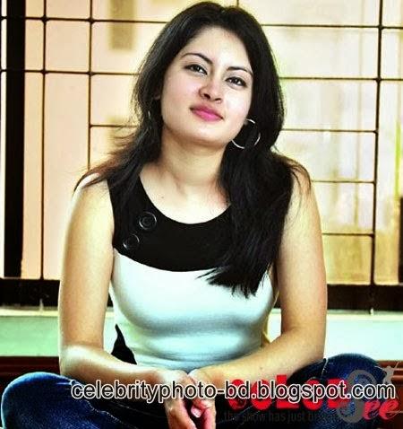 Bangladeshi+Actress+Agnila+Photos001