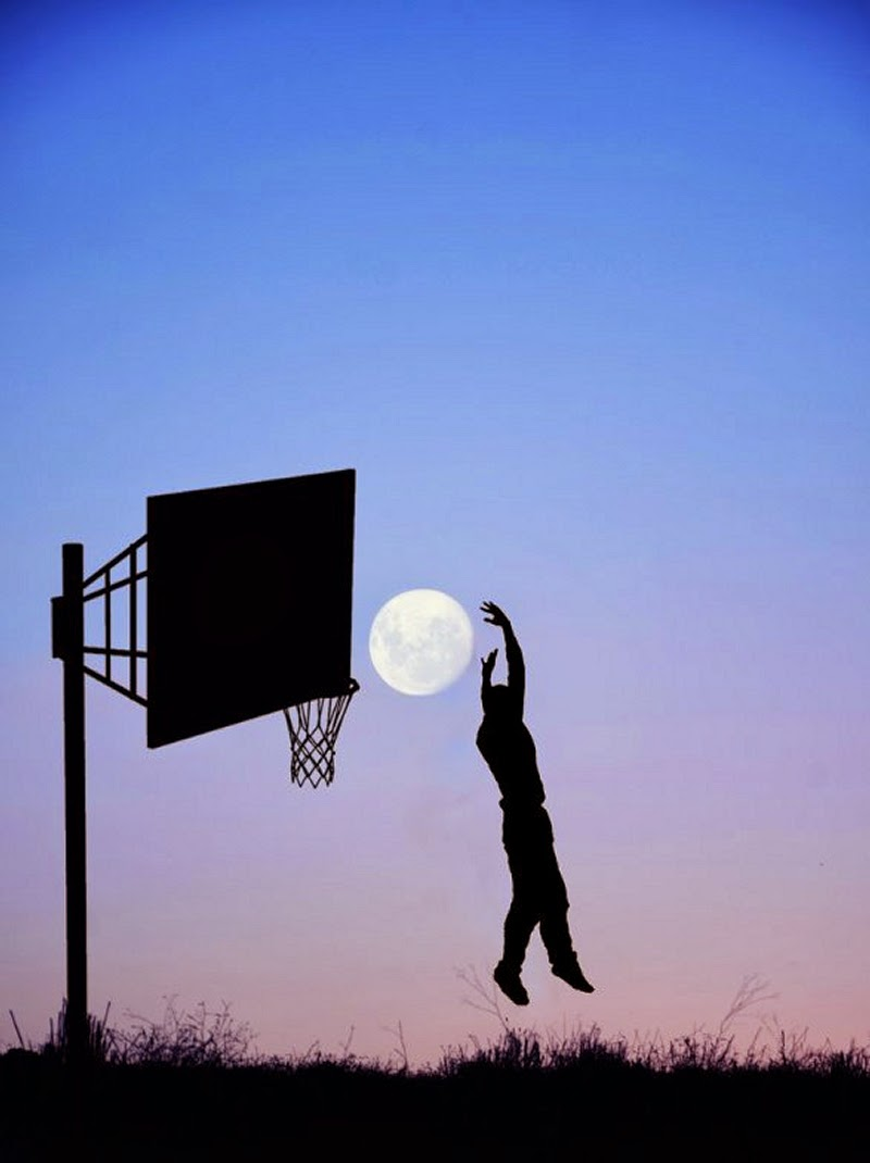 12-Slam-Dunk-Adrian-Limani-Amazing-Moon-www-designstack-co