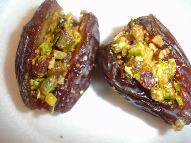 Honey and Pistachio Stuffed Dates - The Candid RD