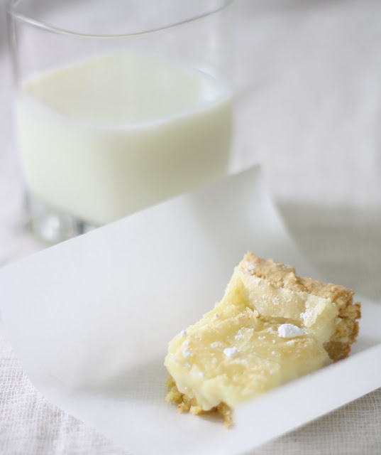 Gooey Butter Cake Recipe - breakfast danish or dessert! via www.julieblanner.com