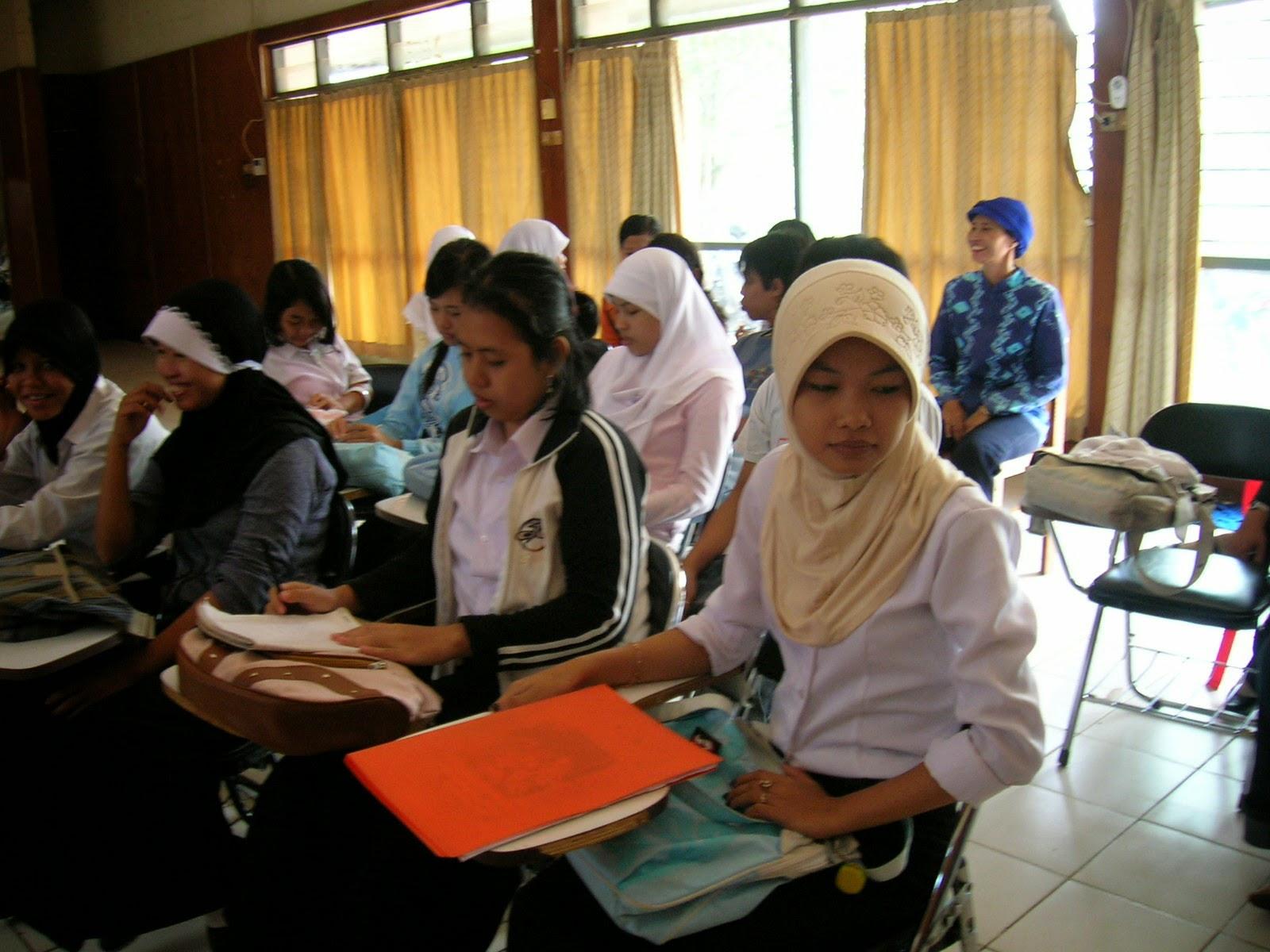 PENGERTIAN DAN HAKIKAT HUKUM DI INDONESIA | VISIUNIVERSAL PENDIDIKAN