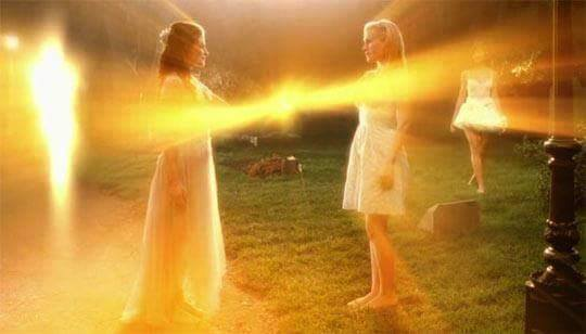 Resultado de imagem para seres de luz