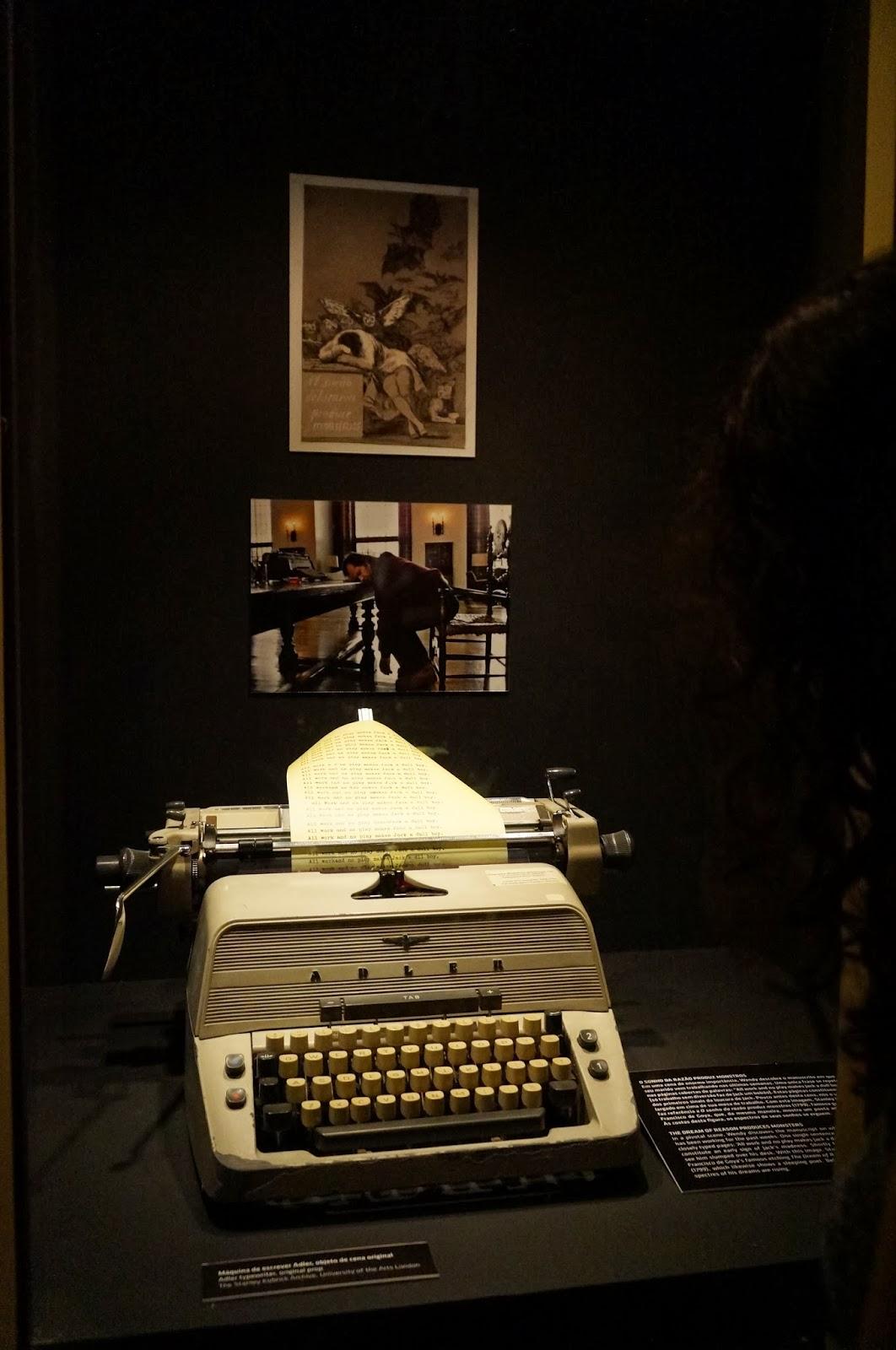 """objeto de cena do filme """"O iluminado"""" - Stanley Kubrick - MIS - SP"""