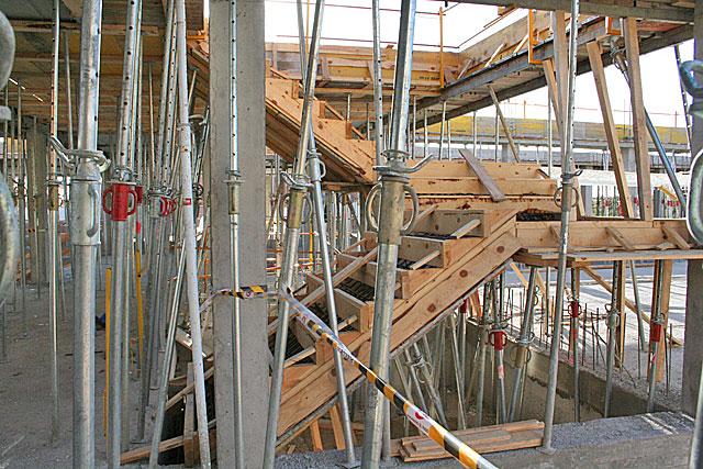 Deconstrucci n encofrado previo para la ejecuci n de una for Encofrado de escaleras de concreto