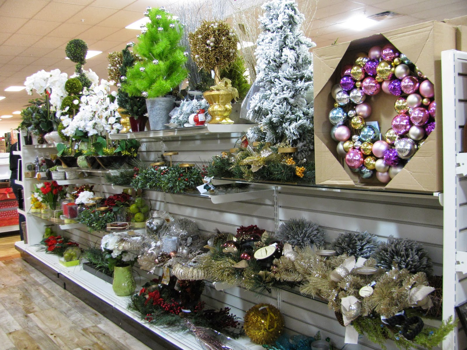 home goods also has a nice selection of christmas dishes if you collect or use those they are pretty reasonably priced as well - Home Goods Christmas