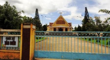 nhà thờ tân điền kon tum