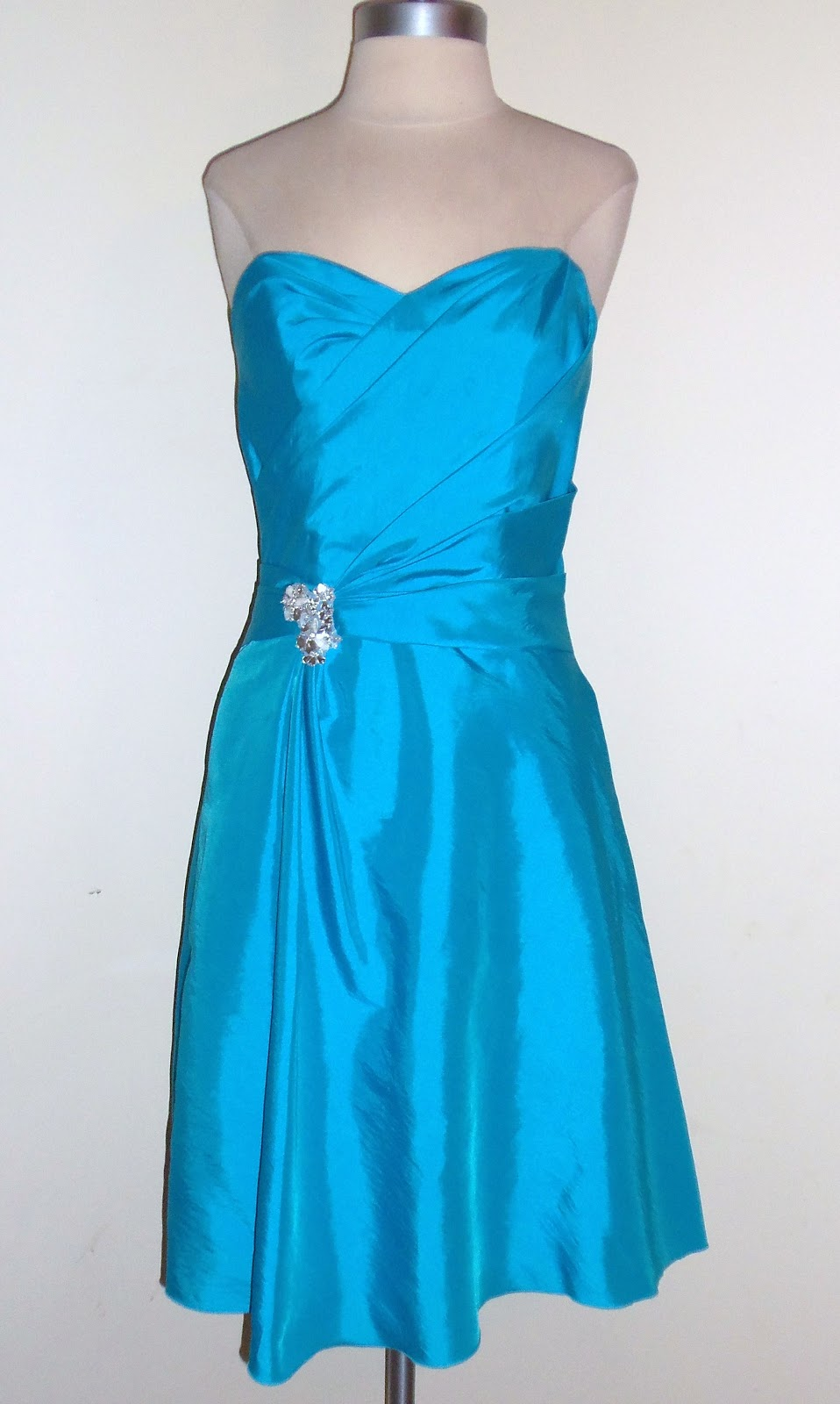 Thrifty Chic Shop: Non-Tradional Prom Dresses Vintage Style