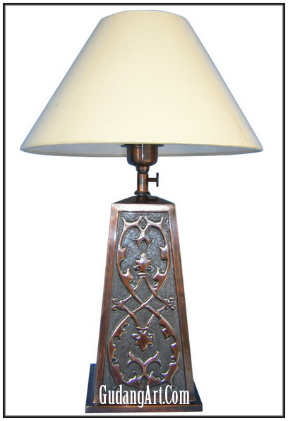 kerajinan lampu duduk meja tidur dari tembaga lampu hias jenis