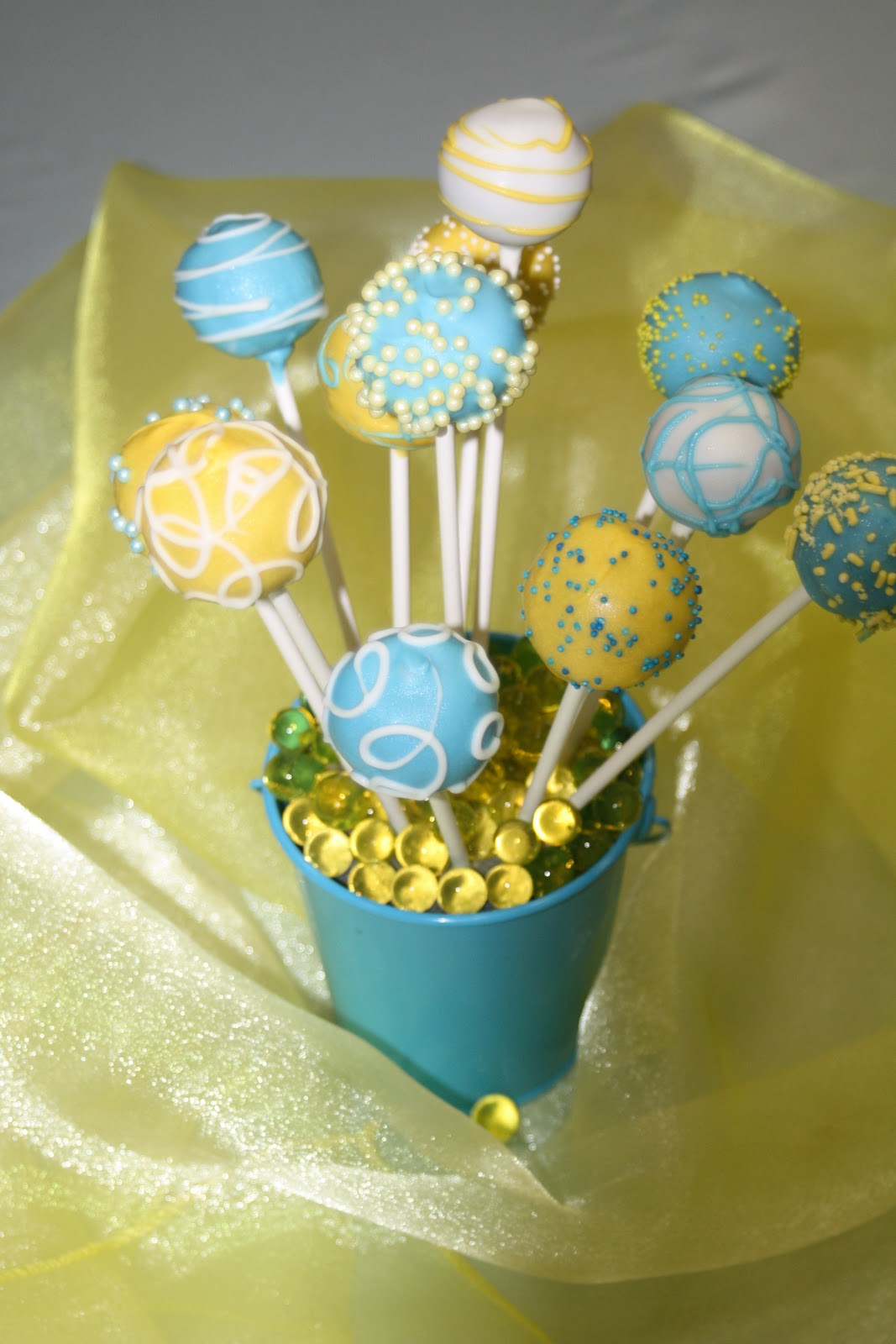 Natalie\'s Cake Pops: The Perfect Wedding Day