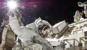 pengiriman astronot ke bulan