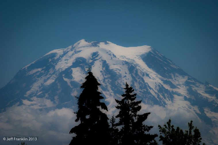 Mount Rainier photographed from Puyallup, WA