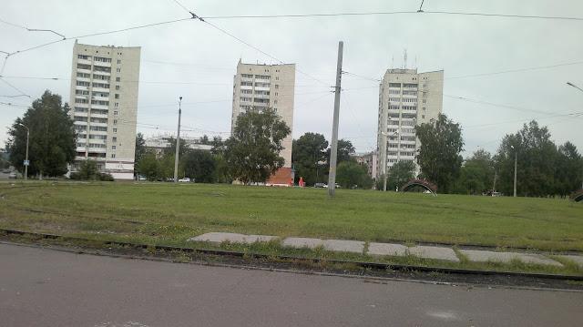Дома стоящие на берегу Амура города Комсомольска на Амуре