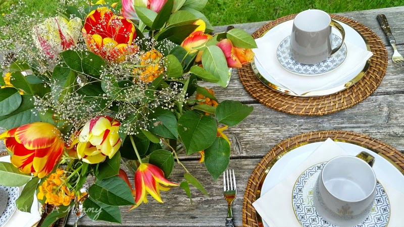 Mother's Day Brunch Tablescape flowers