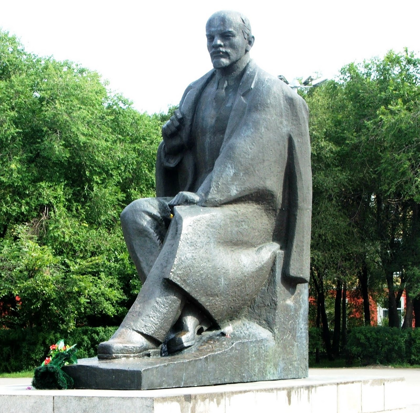 Вертикальные памятники Минусинск Прямоугольный вертикальный памятник Ломоносов