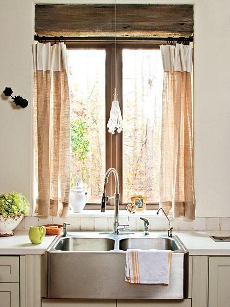 Fotos de cortinas para cocinas c mo dise ar cocinas for Muebles de cocina con cortinas