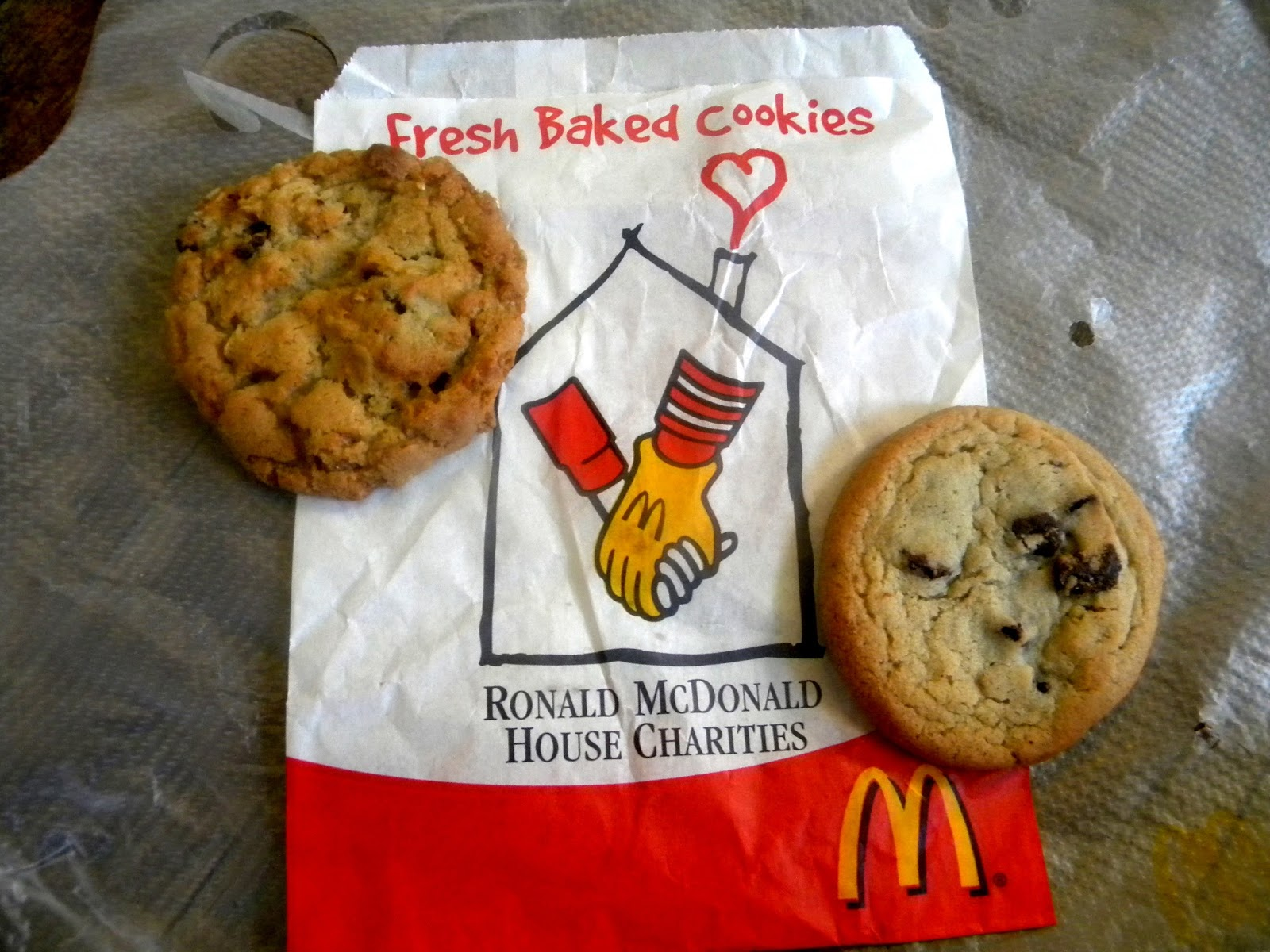 McDonald's Chewy Oatmeal Raisin & Chocolate Chip Cookies photo/editing by sookietex