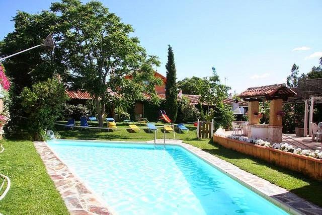 Piscinas lindas y modernas en fotos jardines con piscinas - Jardines con piscinas ...