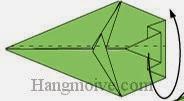 Bước 8: Gấp đôi cạnh giấy về phía mặt sau.