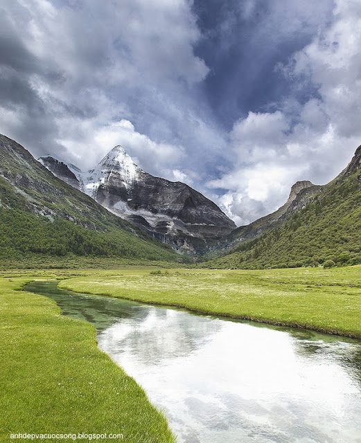 Ảnh phong cảnh núi non hùng vĩ